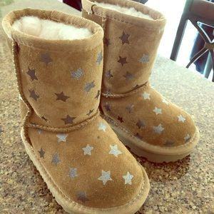 Tan Children's Uggs with Gold Stars